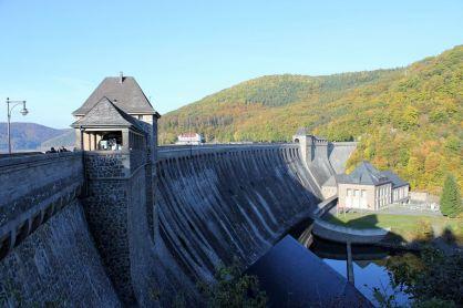Der Staudamm am Edersee